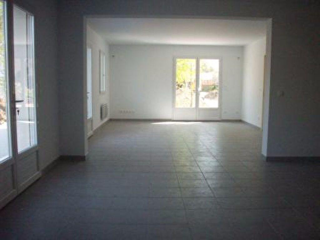 Maison à louer 7 171.31m2 à Grans vignette-8