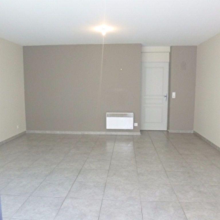 Appartement à louer 4 110.56m2 à Salon-de-Provence vignette-4
