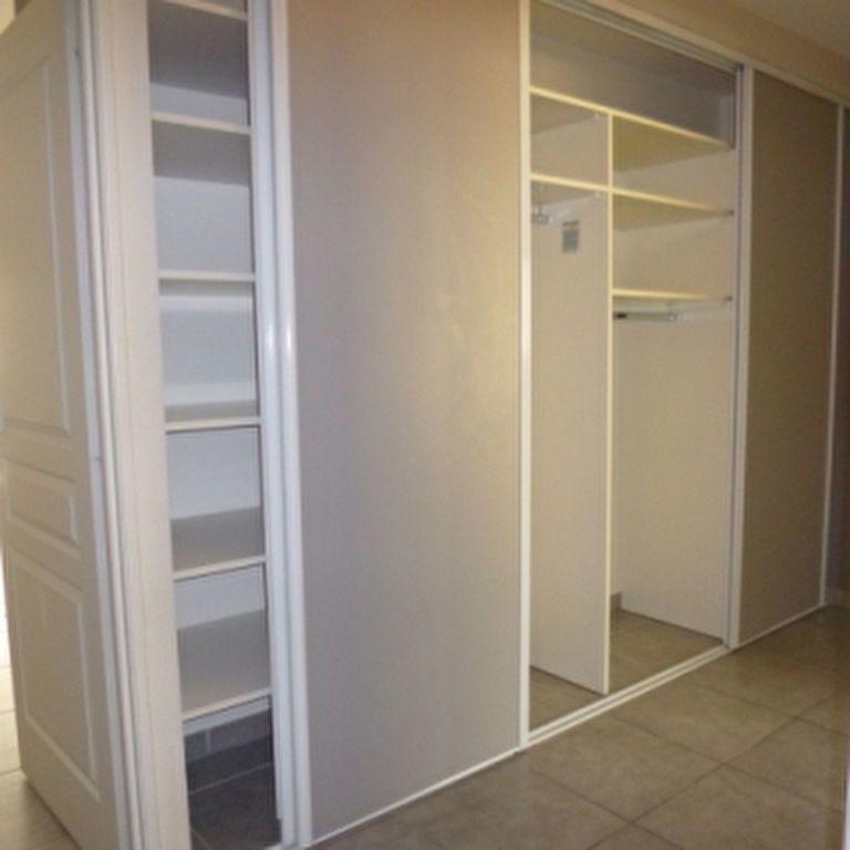 Appartement à louer 4 110.56m2 à Salon-de-Provence vignette-8