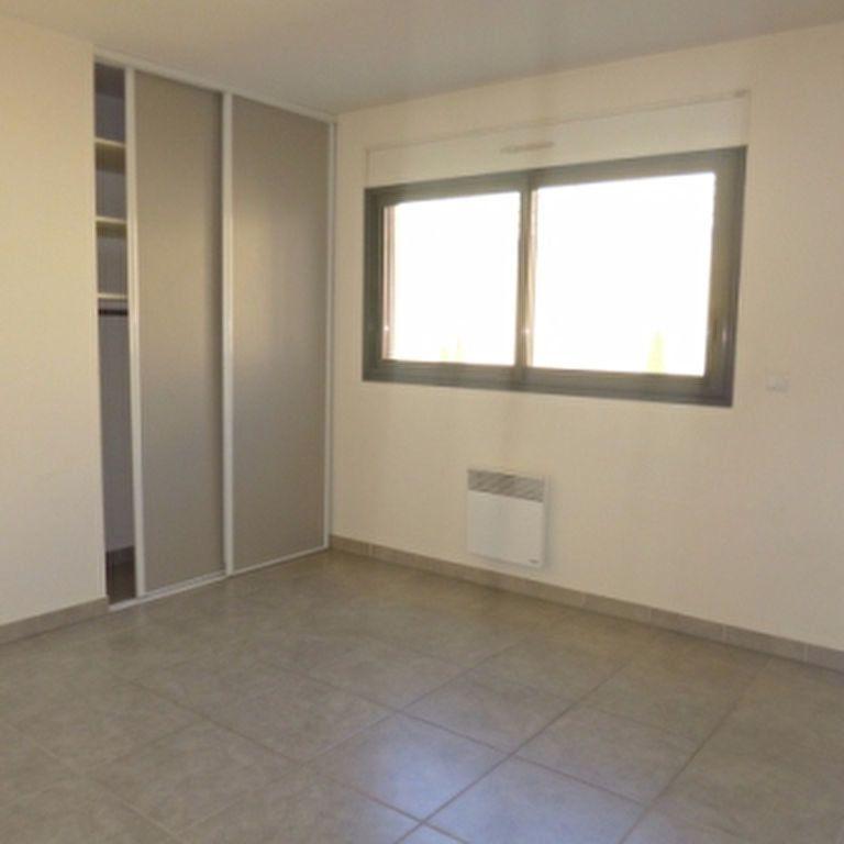 Appartement à louer 4 110.56m2 à Salon-de-Provence vignette-9