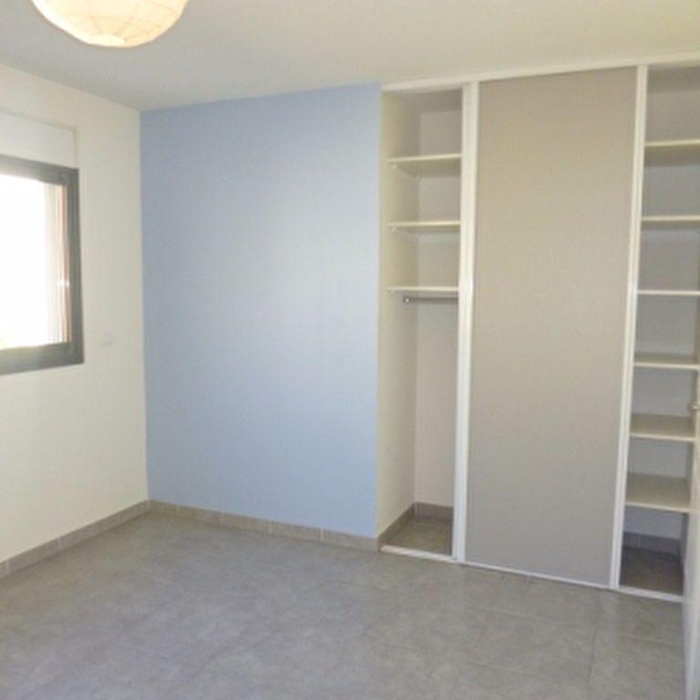 Appartement à louer 4 110.56m2 à Salon-de-Provence vignette-10