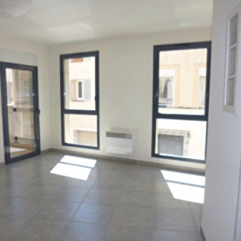 Appartement à louer 4 110.56m2 à Salon-de-Provence vignette-13