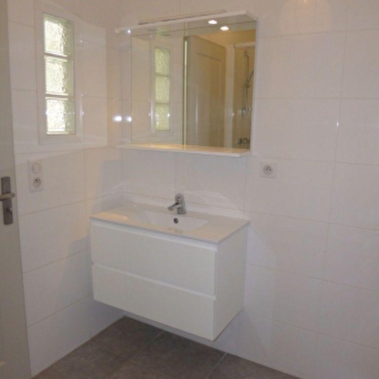 Appartement à louer 4 110.56m2 à Salon-de-Provence vignette-15