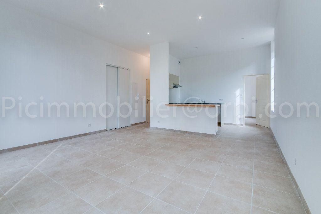 Appartement à louer 2 51.5m2 à Saint-Chamas vignette-2
