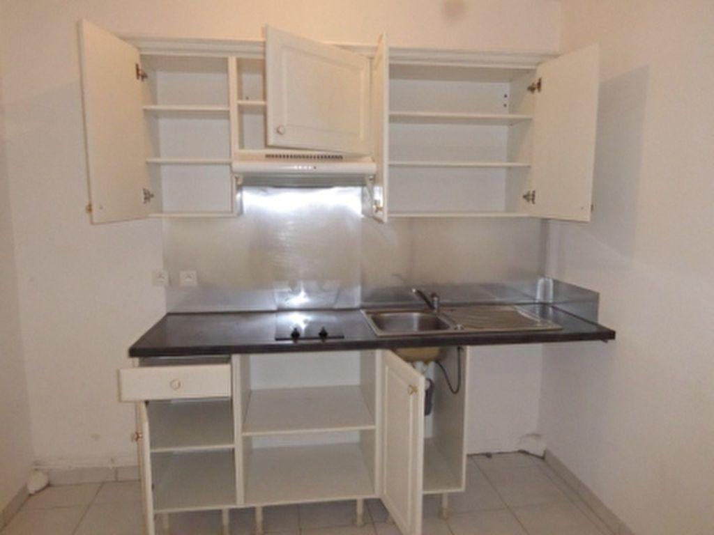 Appartement à louer 1 24.3m2 à Miramas vignette-4