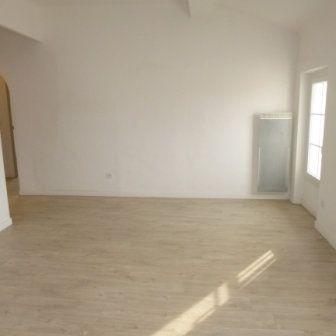 Appartement à louer 4 82.58m2 à La Fare-les-Oliviers vignette-5