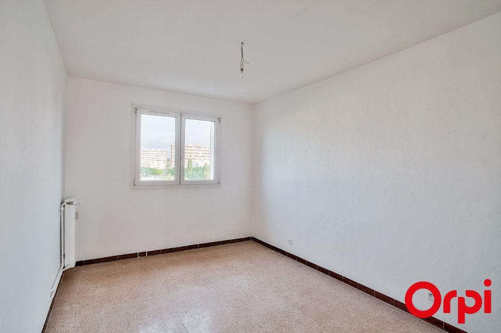 Appartement à louer 3 66.79m2 à Salon-de-Provence vignette-11