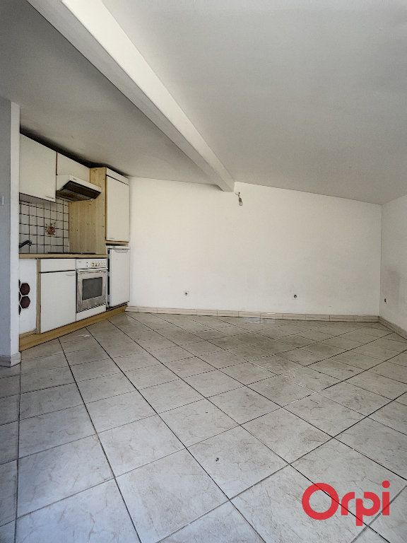 Appartement à vendre 1 16m2 à Grans vignette-2