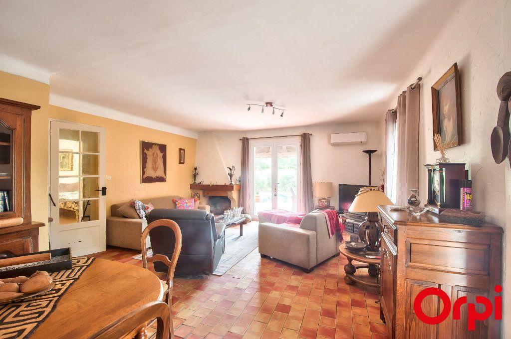 Maison à vendre 4 114m2 à Pélissanne vignette-5