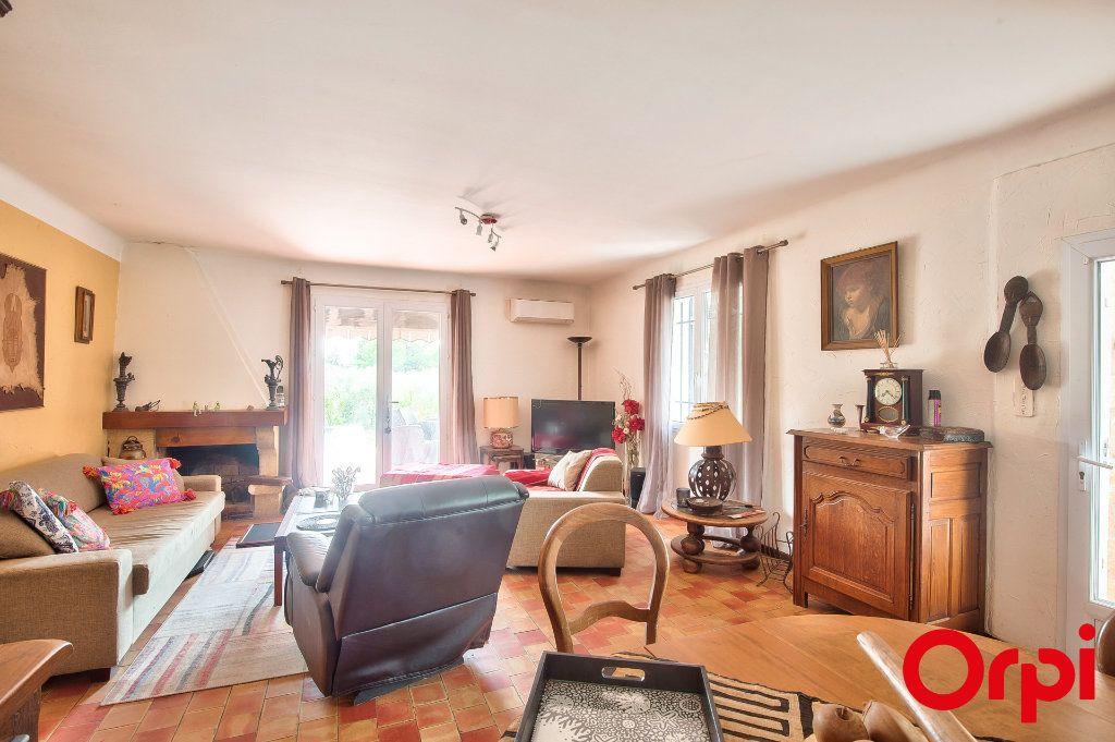 Maison à vendre 4 114m2 à Pélissanne vignette-6