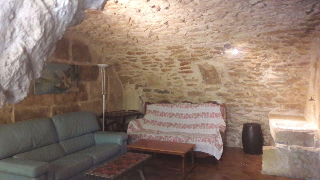 Maison à louer 3 75m2 à Grans vignette-1