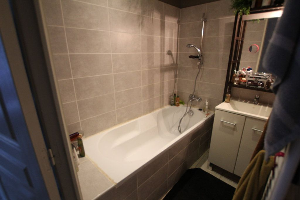 Appartement à vendre 3 90m2 à Lambesc vignette-5
