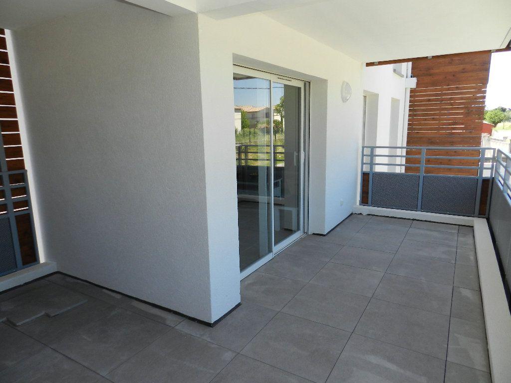Appartement à vendre 3 65.62m2 à Manosque vignette-2