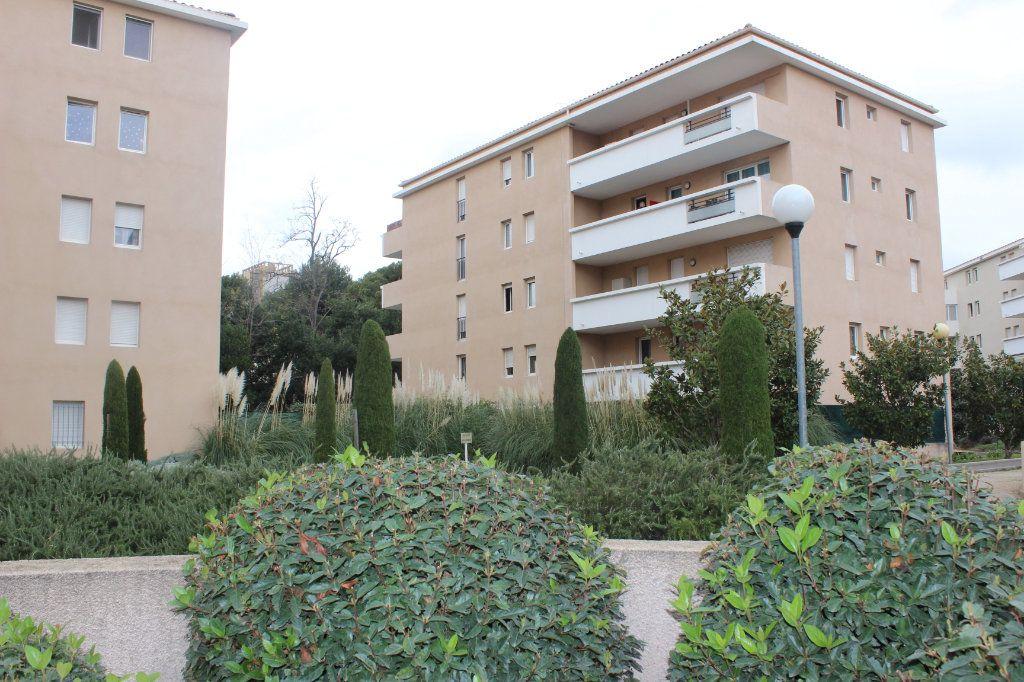 Appartement à vendre 4 78m2 à Marseille 15 vignette-1
