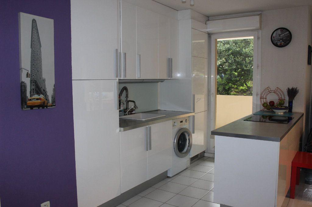 Appartement à vendre 4 78m2 à Marseille 15 vignette-3