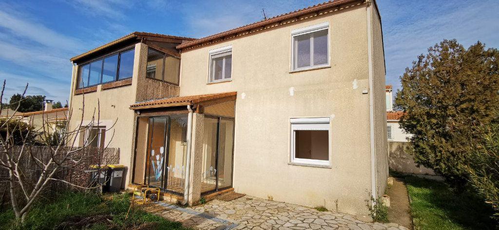 Maison à vendre 8 187m2 à Salon-de-Provence vignette-1