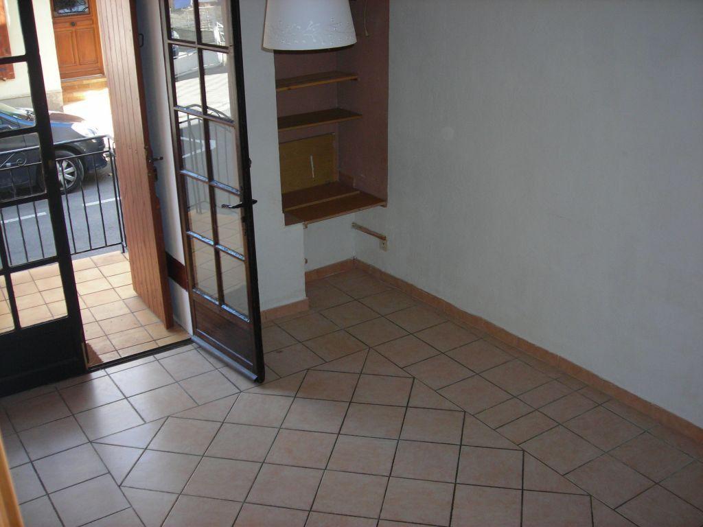Maison à louer 4 75m2 à Pélissanne vignette-1