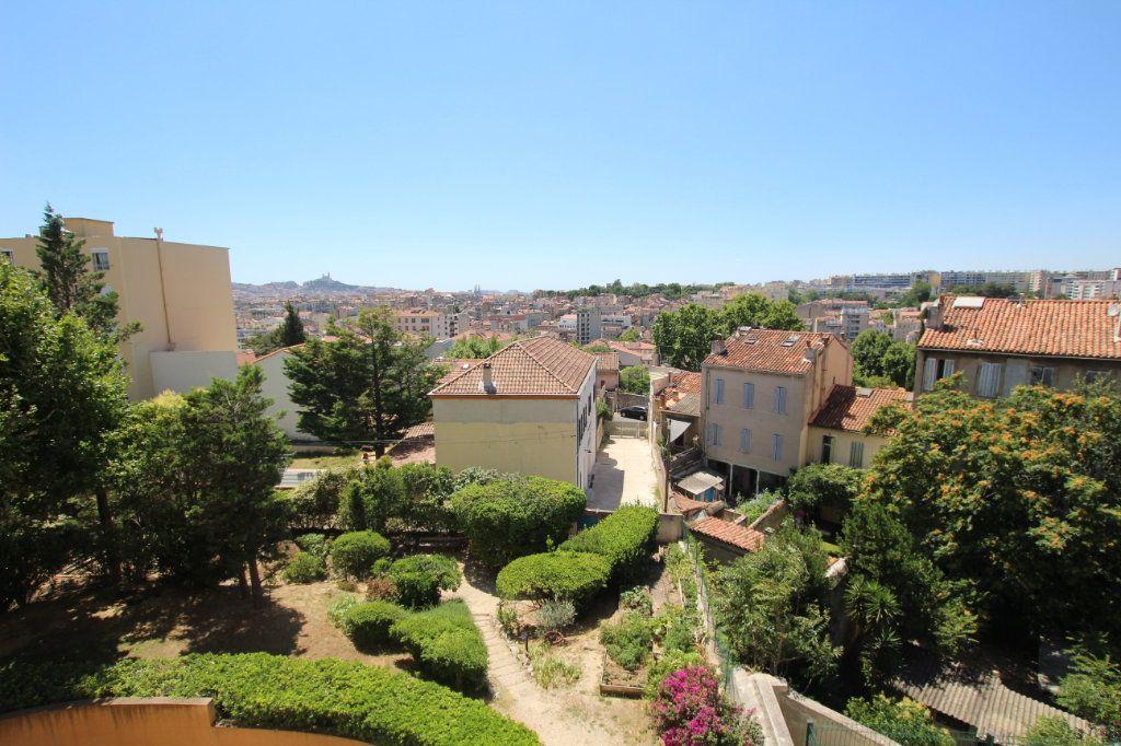 Appartement à louer 4 80m2 à Marseille 4 vignette-1