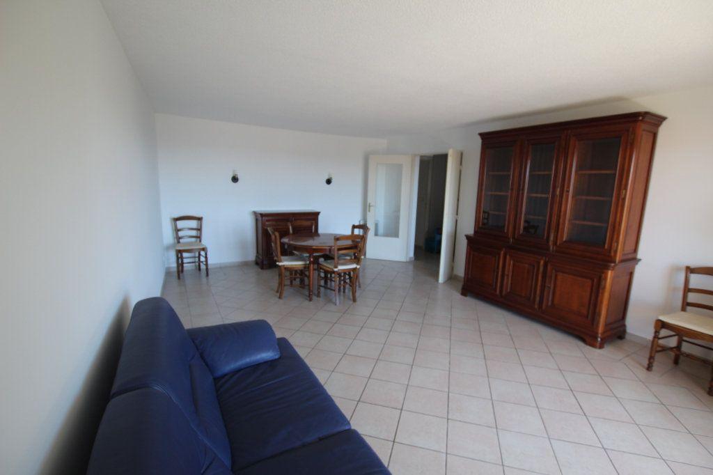Appartement à louer 4 80m2 à Marseille 4 vignette-3