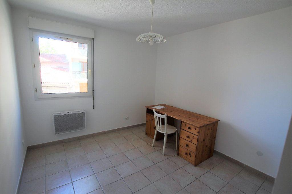 Appartement à louer 4 80m2 à Marseille 4 vignette-5