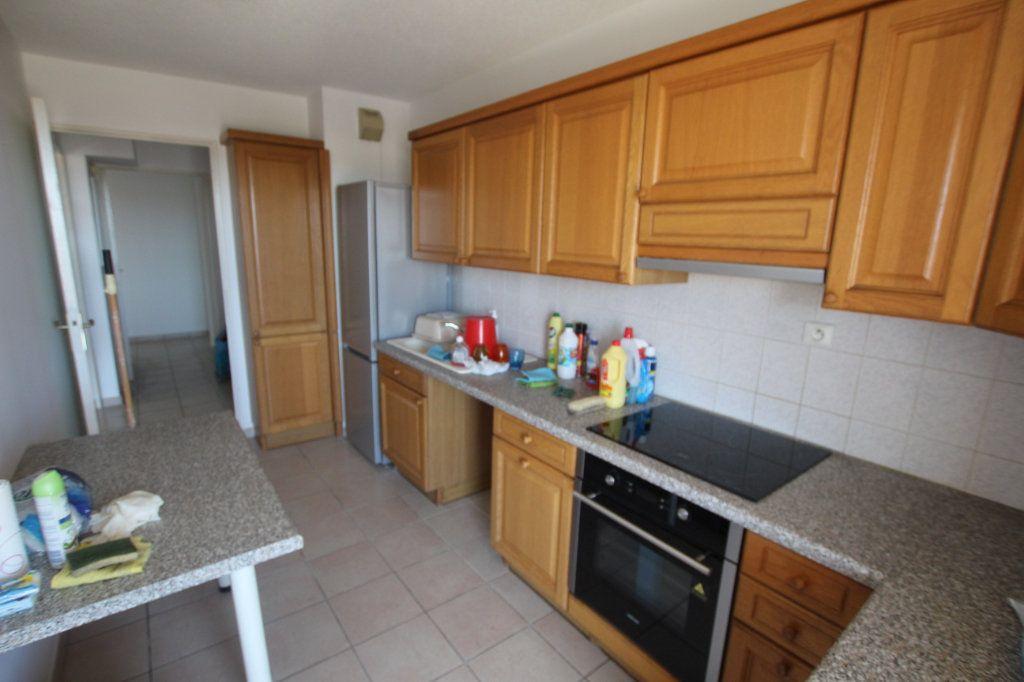 Appartement à louer 4 80m2 à Marseille 4 vignette-8