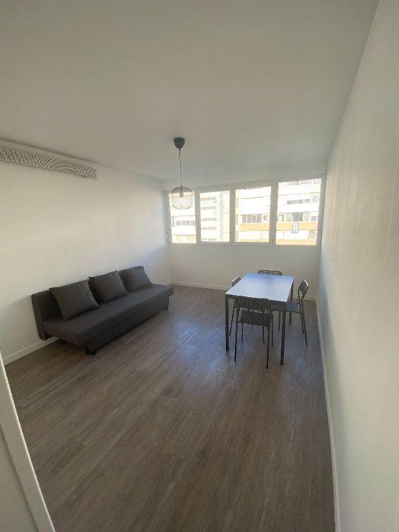Appartement à louer 1 24m2 à Aix-en-Provence vignette-2