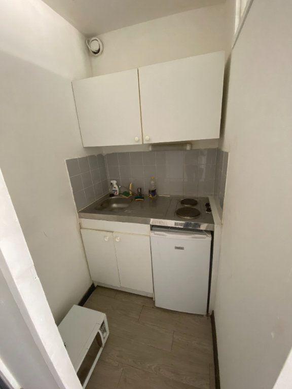 Appartement à louer 1 24m2 à Aix-en-Provence vignette-3