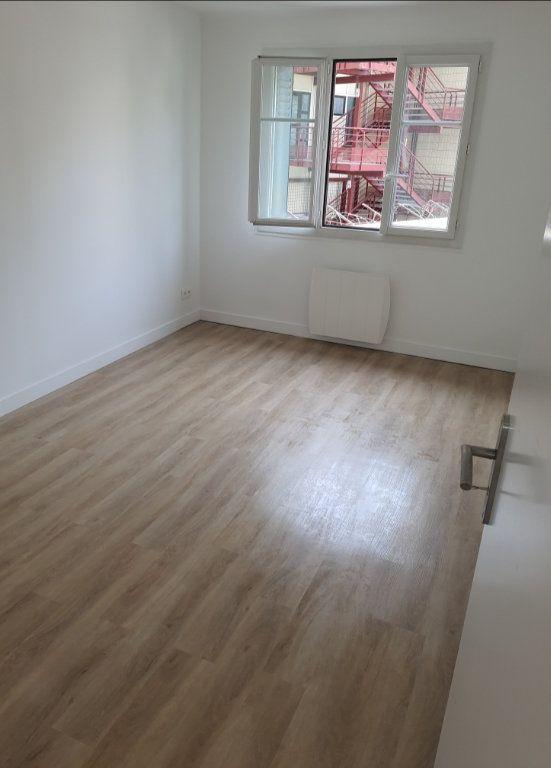 Appartement à vendre 4 80.22m2 à Marseille 8 vignette-3