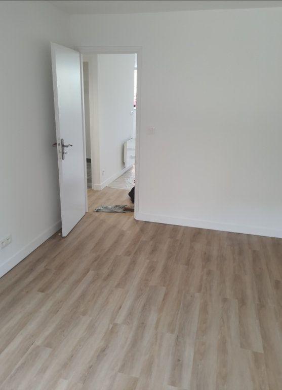Appartement à vendre 4 80.22m2 à Marseille 8 vignette-4