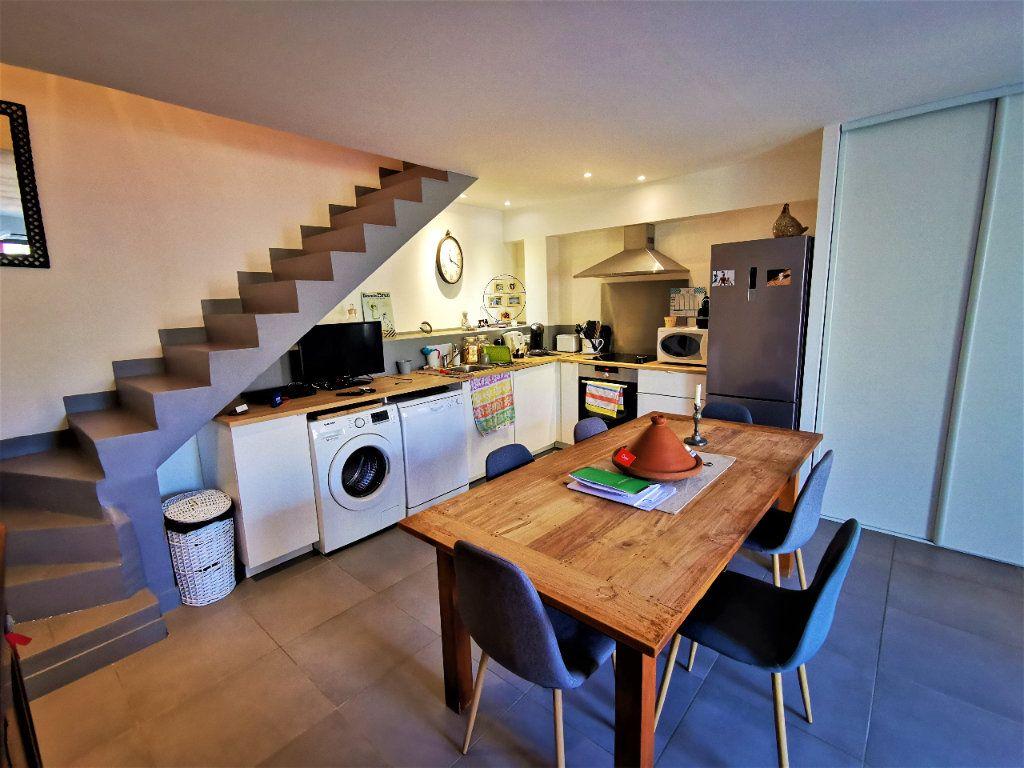 Maison à vendre 3 56.7m2 à Le Puy-Sainte-Réparade vignette-3