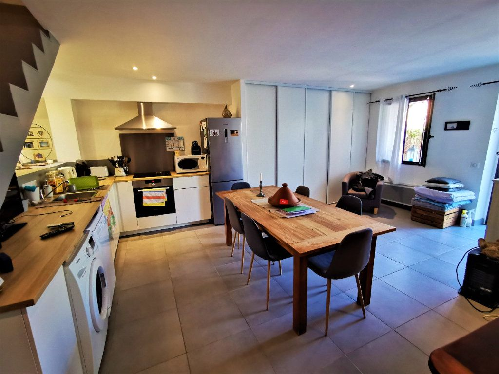 Maison à vendre 3 56.7m2 à Le Puy-Sainte-Réparade vignette-4