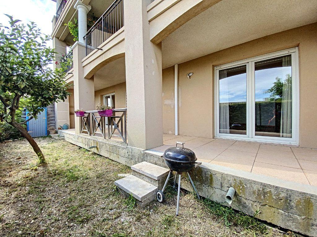 Appartement à vendre 3 58m2 à Venelles vignette-2