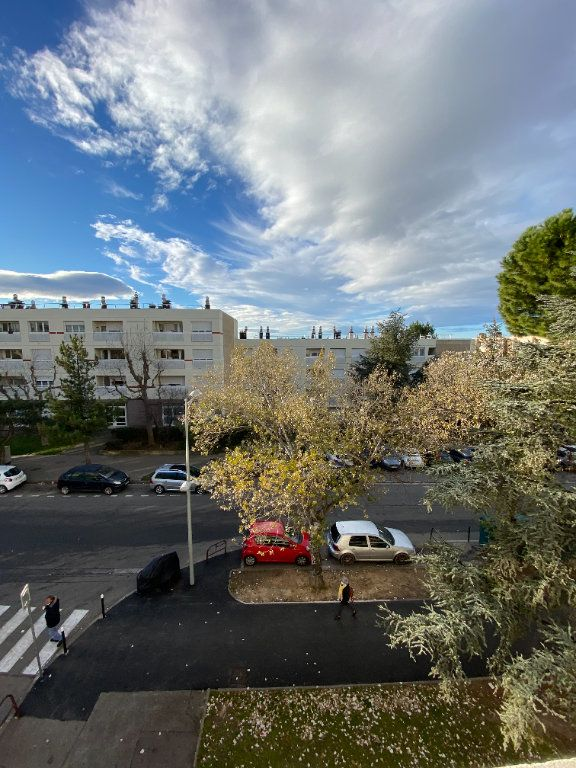 Appartement à vendre 1 23.74m2 à Aix-en-Provence vignette-1