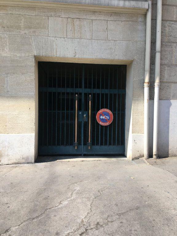 Stationnement à vendre 0 12m2 à Marseille 8 vignette-1