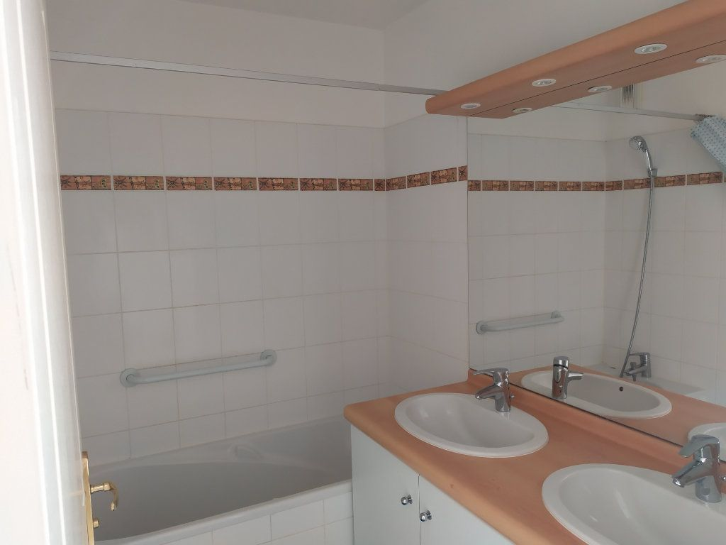 Appartement à vendre 4 84m2 à Pélissanne vignette-6