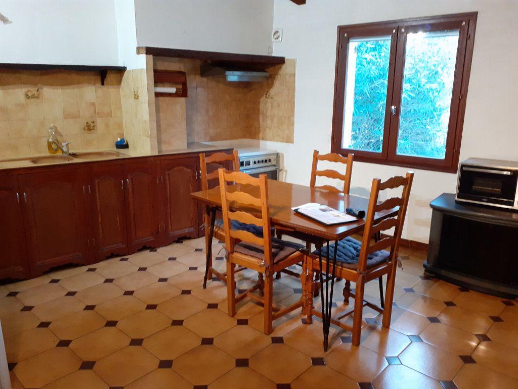 Appartement à vendre 3 68m2 à Grans vignette-2