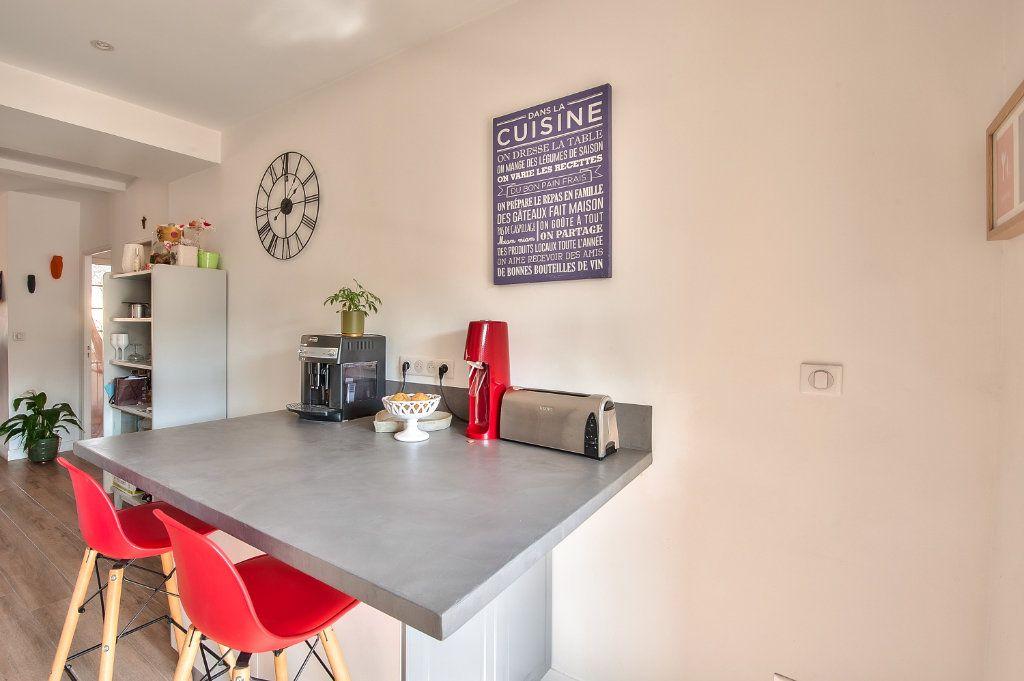 Appartement à vendre 4 83m2 à Aix-en-Provence vignette-4
