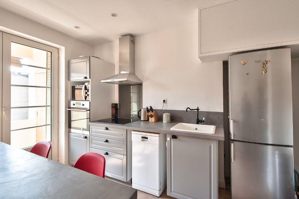 Appartement à vendre 4 83m2 à Aix-en-Provence vignette-7