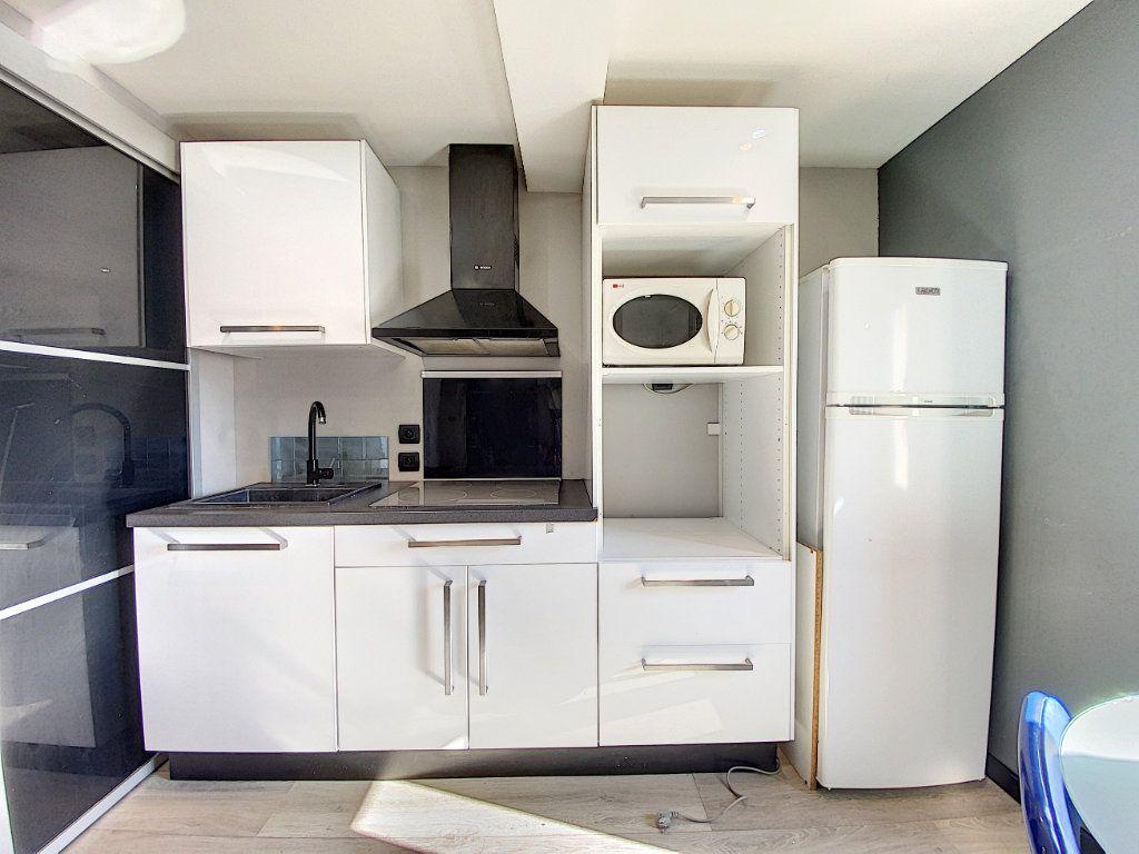 Appartement à vendre 1 17m2 à Venelles vignette-2