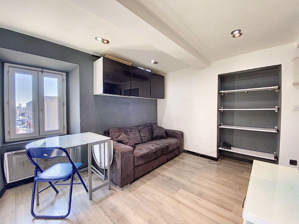 Appartement à vendre 1 17m2 à Venelles vignette-3