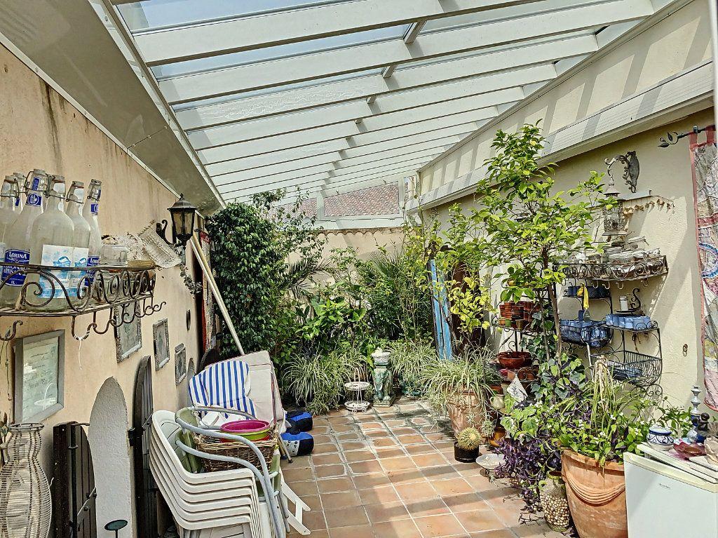 Maison à vendre 7 165m2 à Châteauneuf-les-Martigues vignette-3