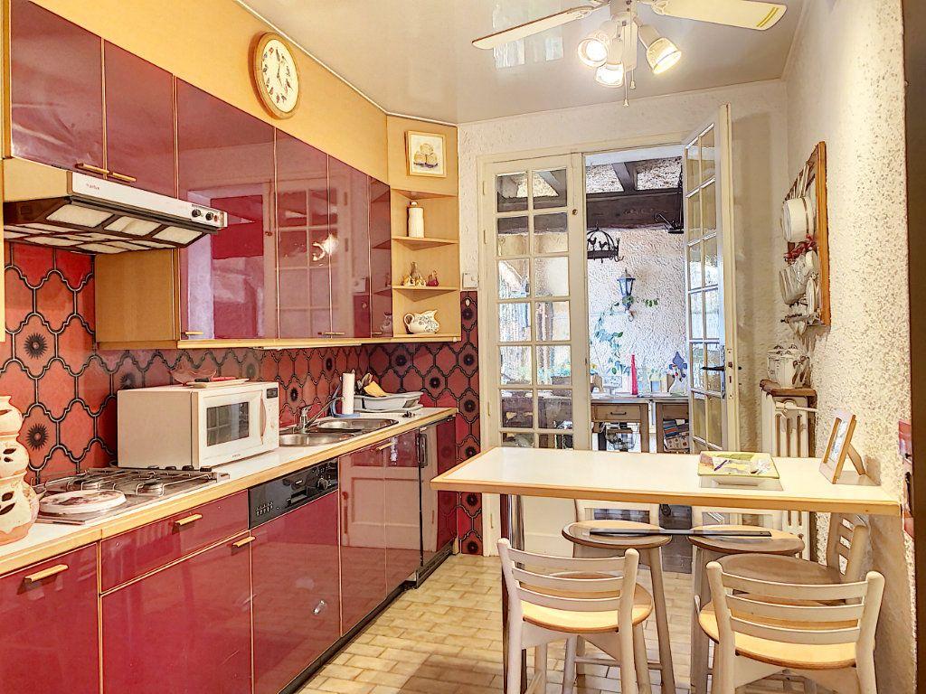 Maison à vendre 7 165m2 à Châteauneuf-les-Martigues vignette-5