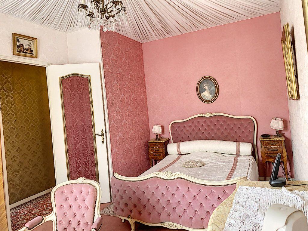 Maison à vendre 7 165m2 à Châteauneuf-les-Martigues vignette-6