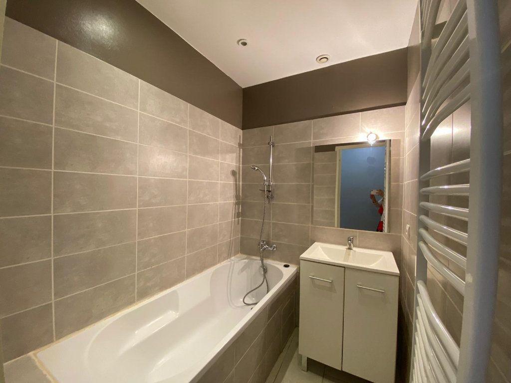 Appartement à vendre 4 90m2 à Lambesc vignette-4