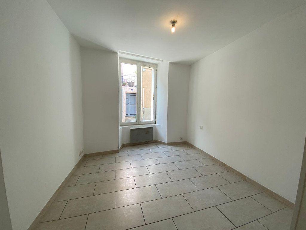 Appartement à vendre 4 90m2 à Lambesc vignette-7