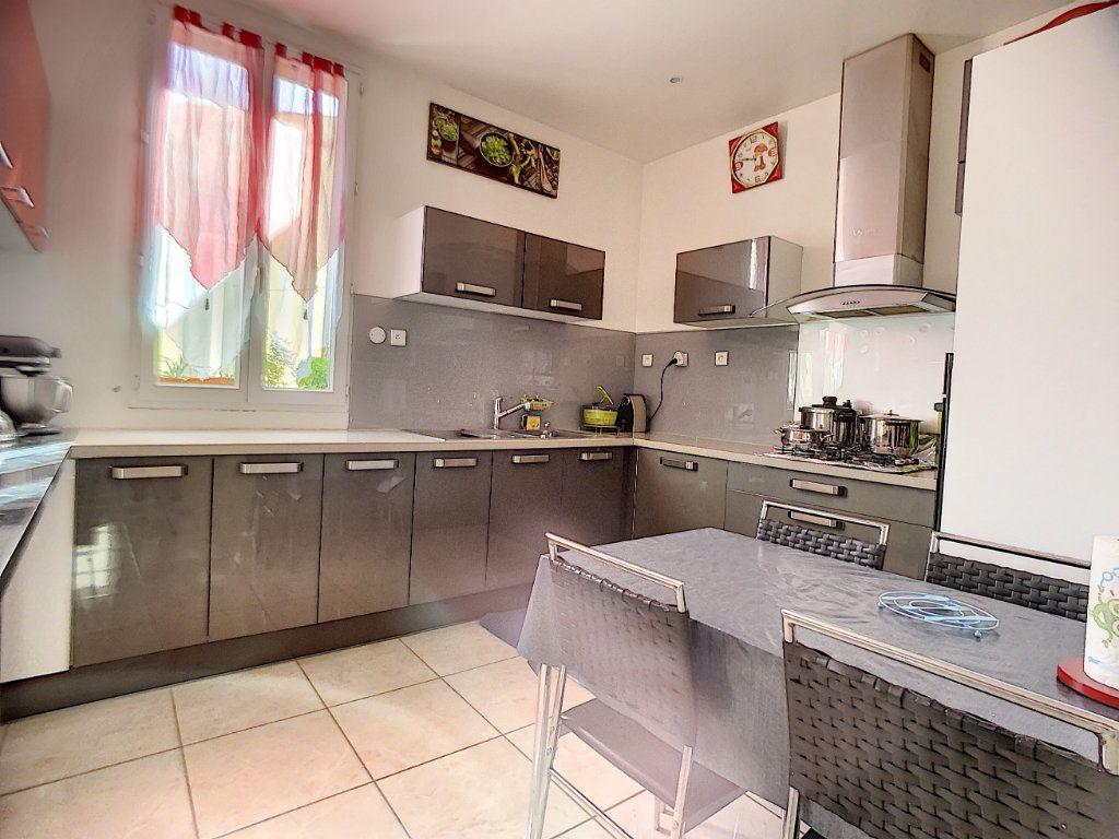Appartement à vendre 5 95m2 à Marseille 13 vignette-1