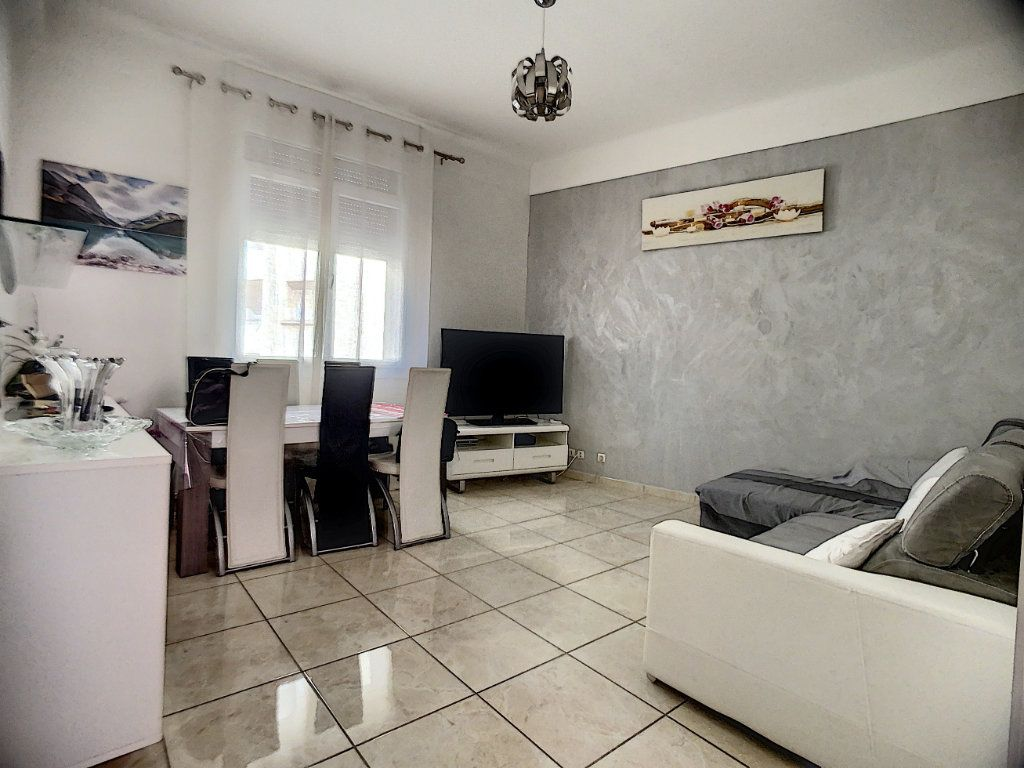 Appartement à vendre 5 95m2 à Marseille 13 vignette-2