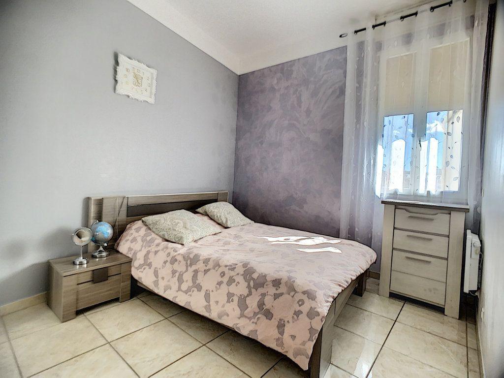 Appartement à vendre 5 95m2 à Marseille 13 vignette-3