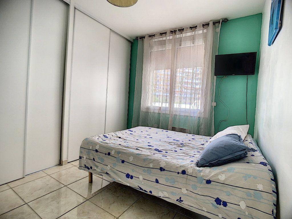 Appartement à vendre 5 95m2 à Marseille 13 vignette-4