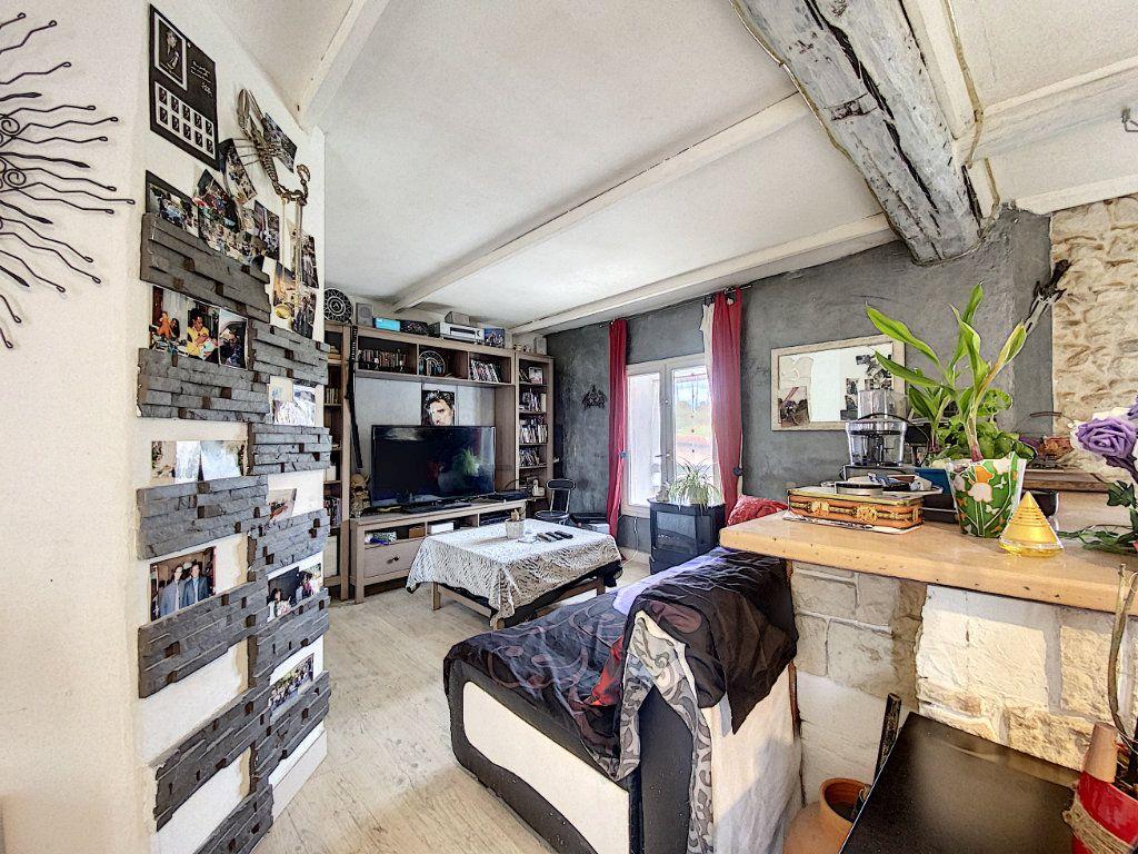 Appartement à vendre 3 44m2 à Venelles vignette-2